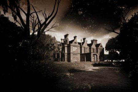 Maisons et châteaux dans la littérature... Mander10