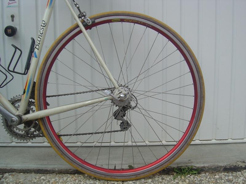 Rayonner les roues : outils et techniques - Page 4 Dsc00911