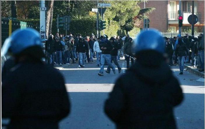 Muere un seguidor de la Lazio tras un disparo Dibujo11
