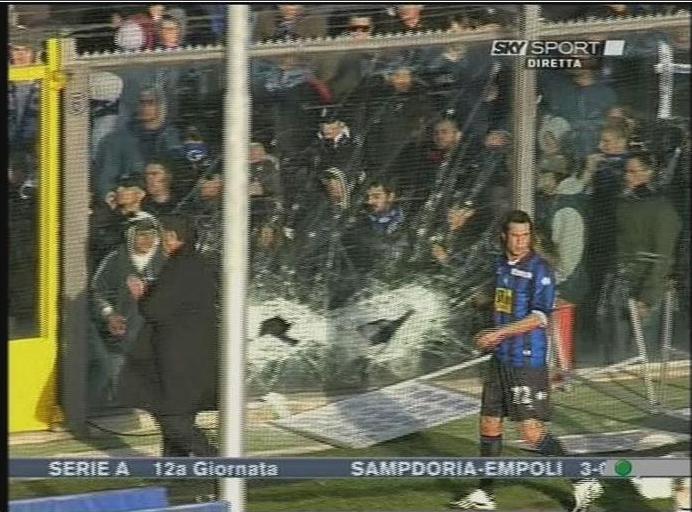 Muere un seguidor de la Lazio tras un disparo Dibujo17
