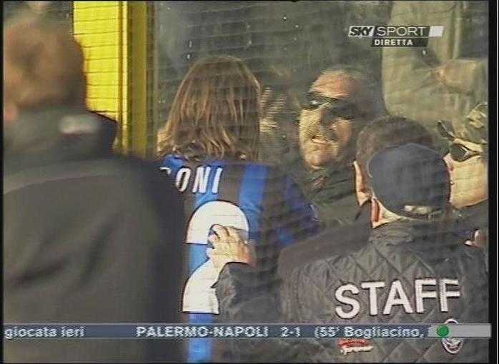 Muere un seguidor de la Lazio tras un disparo Dibujo18