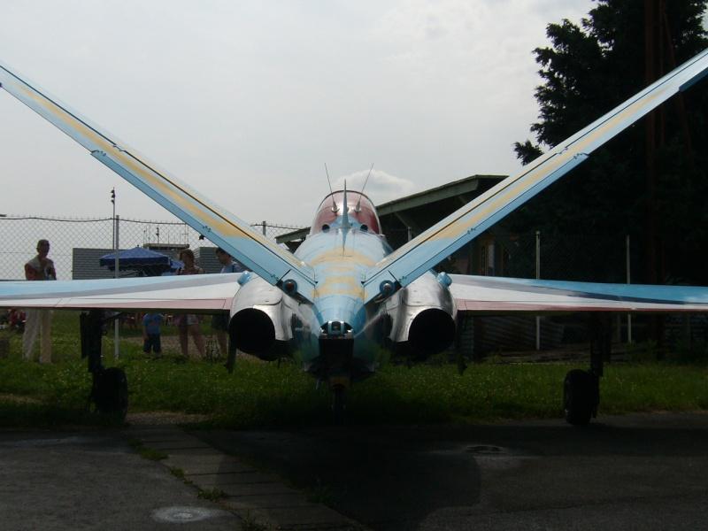 Photos d'un Fouga/zéphyr à la déco spéciale à Bergerac P1030411