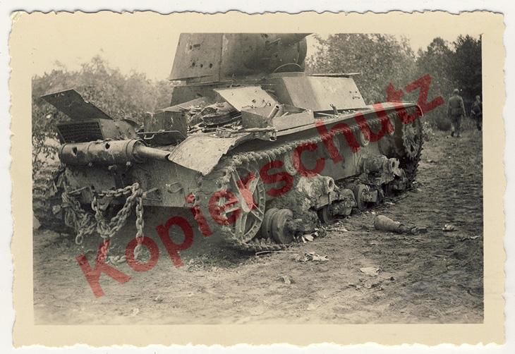recherche pour T-26 (1933) & Tks (polonaise) ... Moteur10
