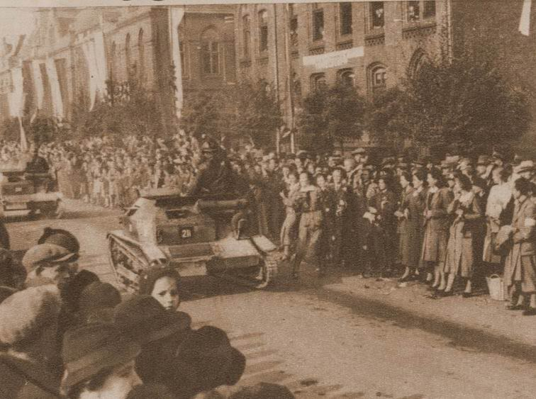 recherche pour T-26 (1933) & Tks (polonaise) ... Tsk_po11