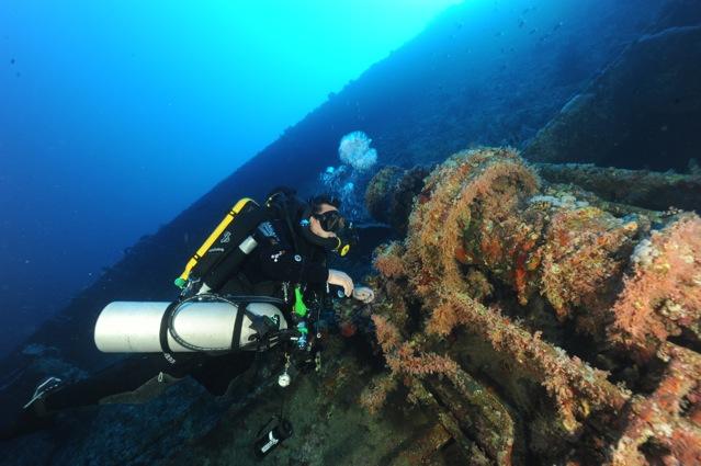 CR  croisière epaves profondes, brothers,daedalus,ephingstone mer rouge avec ALDO FERRUCCI 25 sept au 02 octobre 2010 Dsc_4713