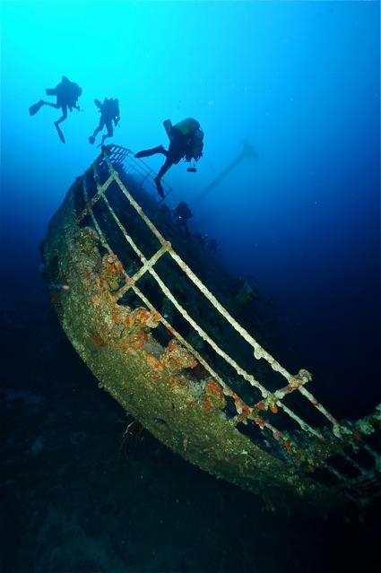 CR  croisière epaves profondes, brothers,daedalus,ephingstone mer rouge avec ALDO FERRUCCI 25 sept au 02 octobre 2010 Dsc_4811