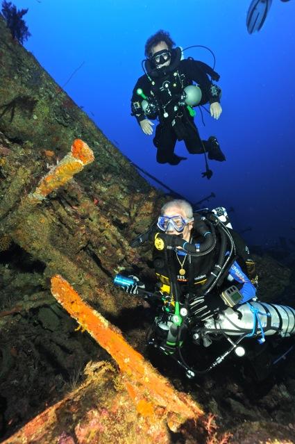 CR  croisière epaves profondes, brothers,daedalus,ephingstone mer rouge avec ALDO FERRUCCI 25 sept au 02 octobre 2010 Dsc_5010