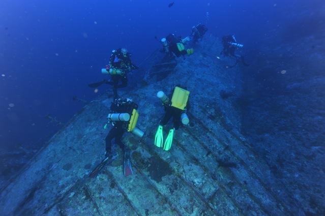 CR  croisière epaves profondes, brothers,daedalus,ephingstone mer rouge avec ALDO FERRUCCI 25 sept au 02 octobre 2010 Dsc_5011
