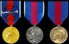 Médaille des réservistes volontaires de défense  Tzolz236