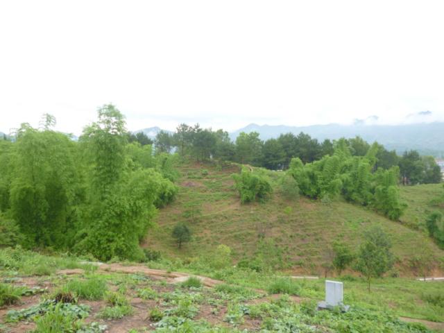 - Le centre de résistence  BEATRICE à Dien Bien Phu Vue_de12