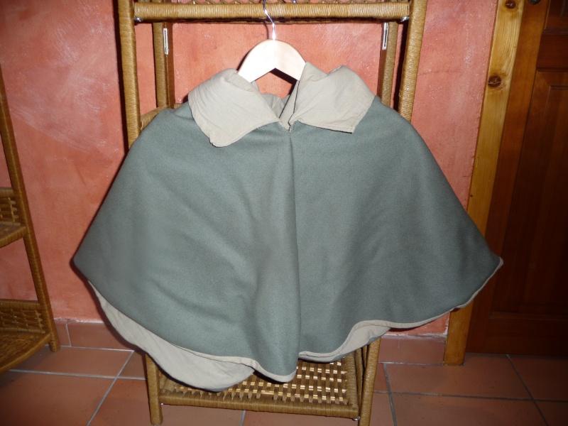 chemise et surcot gueule + chaperon (XIIIe) P1050921