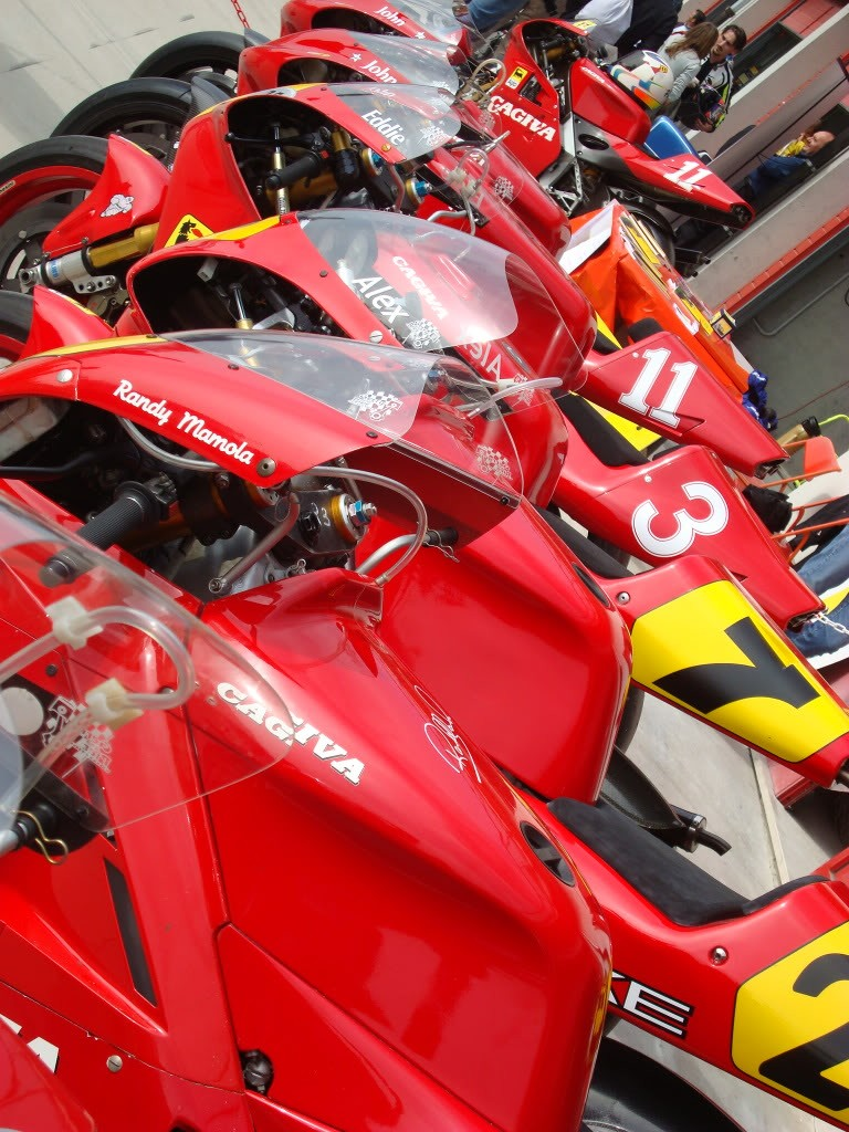 Machines de courses ( Race bikes ) - Page 5 Imola212