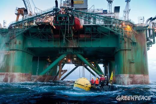 Prospection pétrolière en Arctique : Greenpeace en action ! Carin310