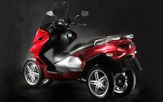 Quadro : Un scooter à 4 roues présenté à Milan  - Page 3 02_qua10