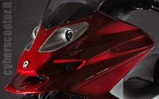 Quadro : Un scooter à 4 roues présenté à Milan  - Page 3 13_qua10