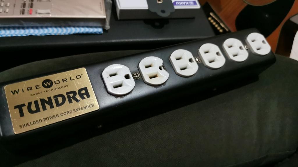 Wireworld Tundra power distributor (used)  Img-2010
