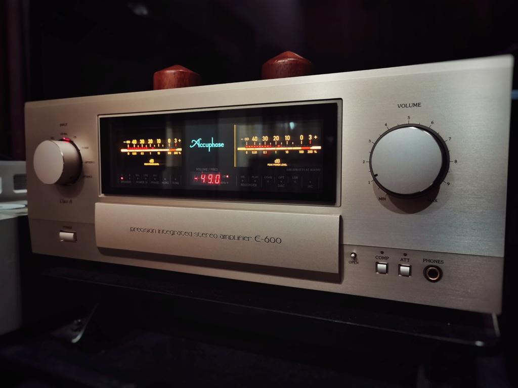 Accuphase E600 (used)  Img_2036