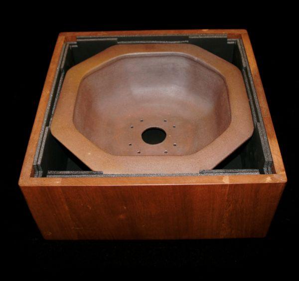 Stone Monkey Ceramics collectors pot 2010 - Page 2 D10