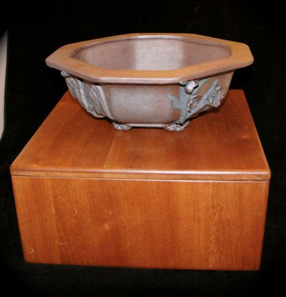 Stone Monkey Ceramics collectors pot 2010 - Page 2 F10