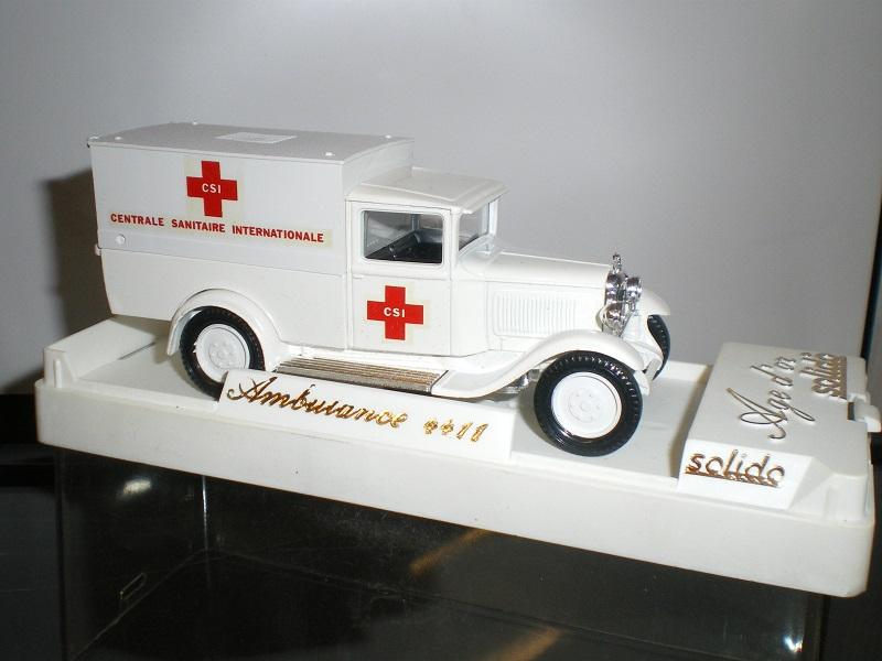 """Citroën miniatures > """"Ambulances, transports de blessés et assistance d'urgence aux victimes"""" Imgp0111"""