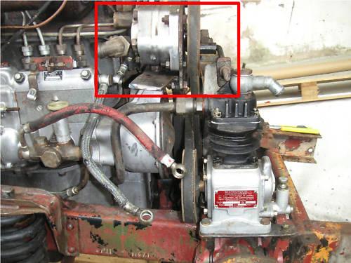 vu sur la baie : une idée pour placer une pompe hydraulique sur un 401 Unimog21