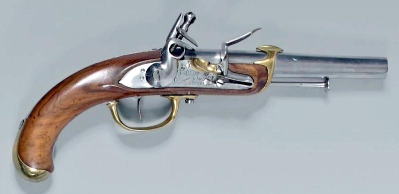 Recherche un pistolet de Marine 1779 comme cette photo Marine13
