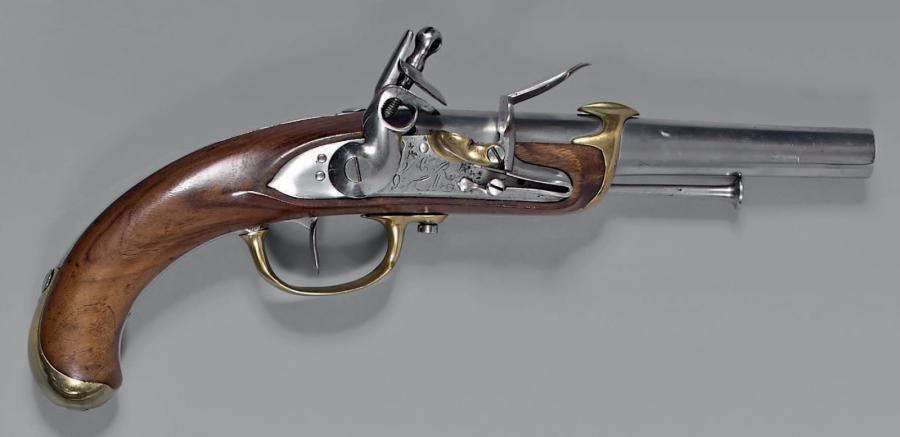Recherche un pistolet de Marine 1779 comme cette photo Marine16