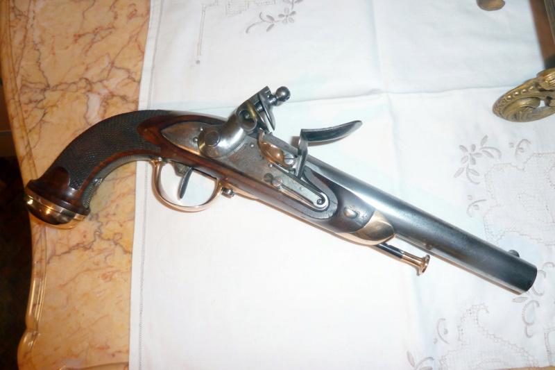 maubeuge pistolet officier P1070110
