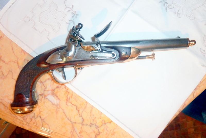Pour mes 70 ans au moi d'avril je cherche un pistolet 1816  P1070145