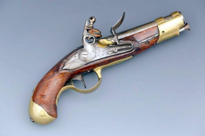 RECHERCHE Pistolet de gendarmerie des ports an IX comme cette photo Pisto102