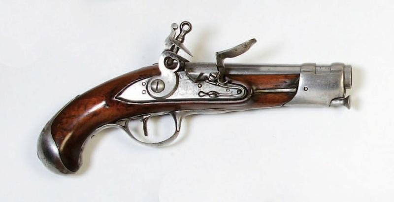 maubeuge pistolet officier Pistol91