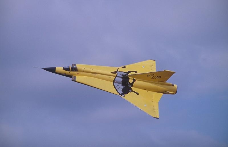 Saab J-35J Draken - minor update. Dk215m10