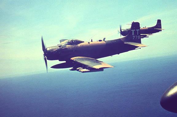 F-104G and Skyraider - in progress Tt778110