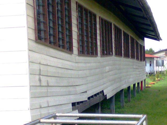Bangunan sekolah yg perlu dibaiki 03092010