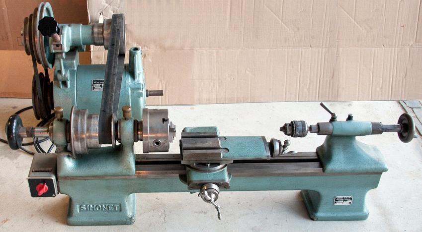Vend tour à métaux avec de nombreux outils Img2410