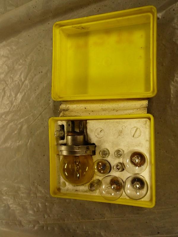 Anciennes boites d'ampoules Boite_15