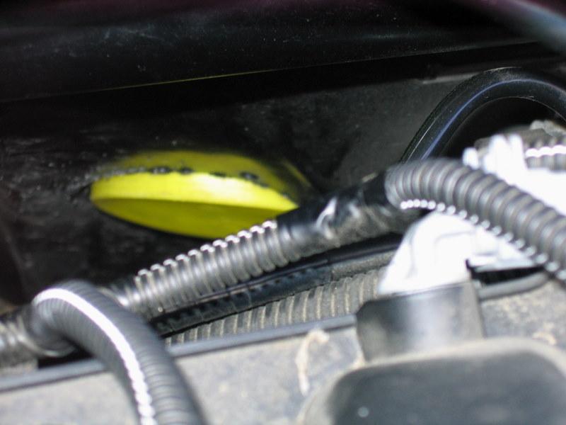 Trappe d'acces au filtre à huile Img_1513