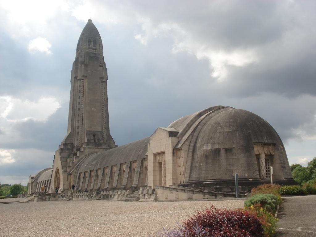France - Lorraine - Ossuaire de Douaumont  Dsc06311