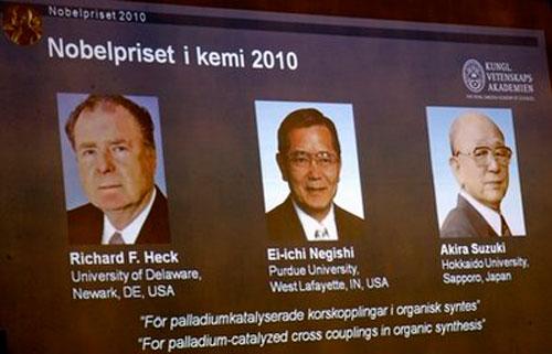 Nobel hóa học 2010 đã có chủ  Chemis10