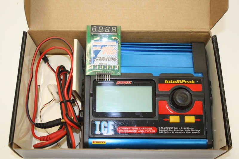 Duratrax ICE charger w/balancer---------SOLD Img_3357