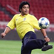 Maradona signe à l'Al-Wasl Dubaï  13236710