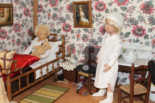 Deux petits garçons d'autrefois...la chambre de Louis - Page 2 0110