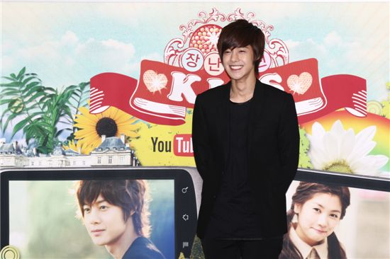 "Kim Hyun-joong to show ""deeper affection"" to Jung So-min E5l7ip10"