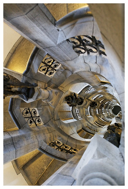Le coeur de la tour de la porte de Hal - Bruxellles Img_0828