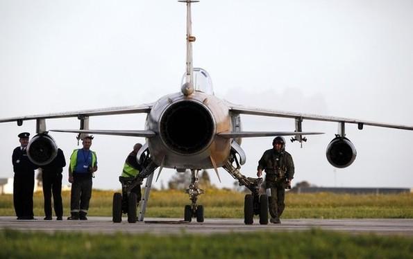 La Libye n'a plus que deux Mirage F1 en état de vol Les deux autres sont désormais à Malte.  93093410