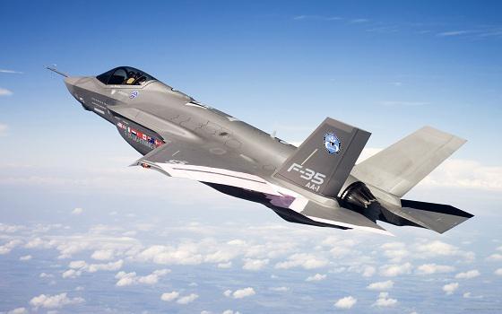 Le rayon d'action du F-35A serait trop court F35-2010