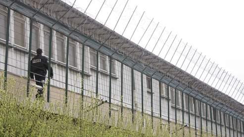 Pas de prison pour les sans- papiers qui refusent de partir… Sans_p10