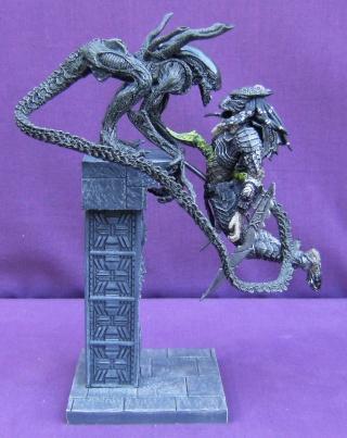 Les autres statues ou figurines de mon bureau... Alien_10