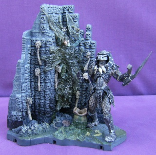 Les autres statues ou figurines de mon bureau... Alien_12