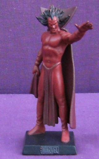 Les autres statues ou figurines de mon bureau... - Page 3 Mephis10
